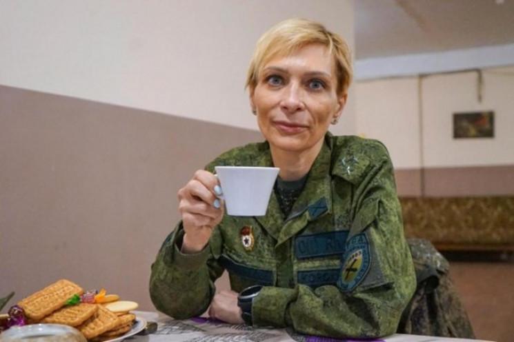 "Известную девушку-боевика ""ДНР"" Корсу пр…"