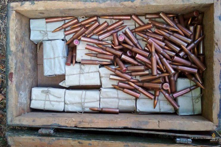 Півтисячі набоїв знайшли в церкві на Тер…