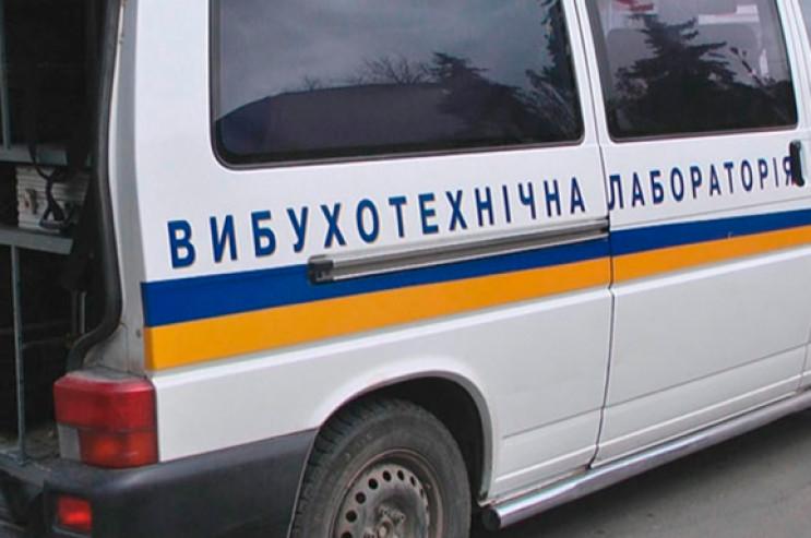 У Харкові у приміщенні суду знайшли бойо…