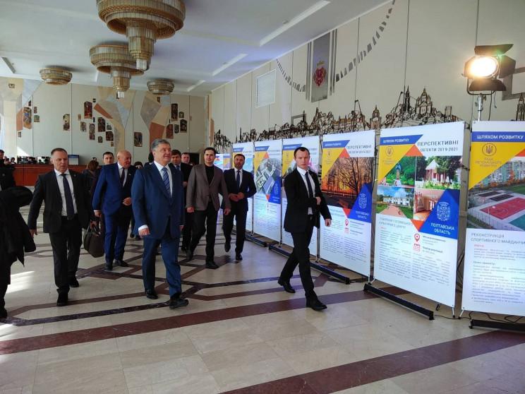 В Полтаву прибыл президент Украины Петр…