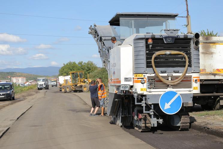 Як ремонтують Об'їзну в Мукачеві…