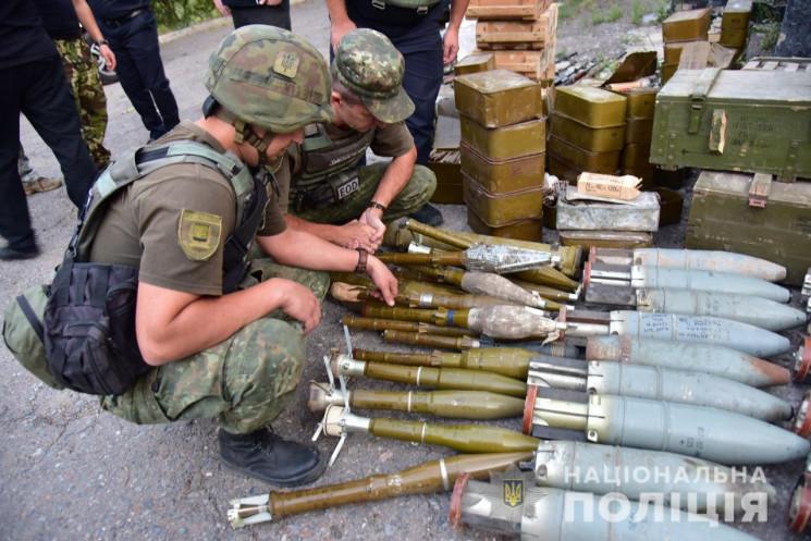 Три добровольчі батальйони віддали поліц…