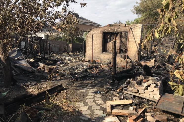 На Балашовці спалахнули два приватні буд…