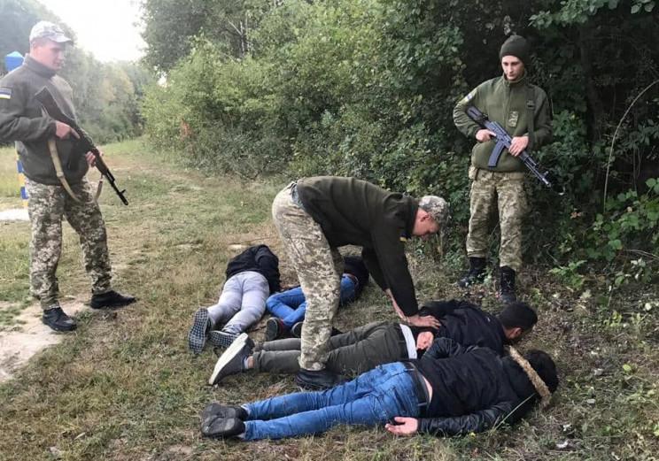 Поблизу Ужгорода затримали чотирьох неле…