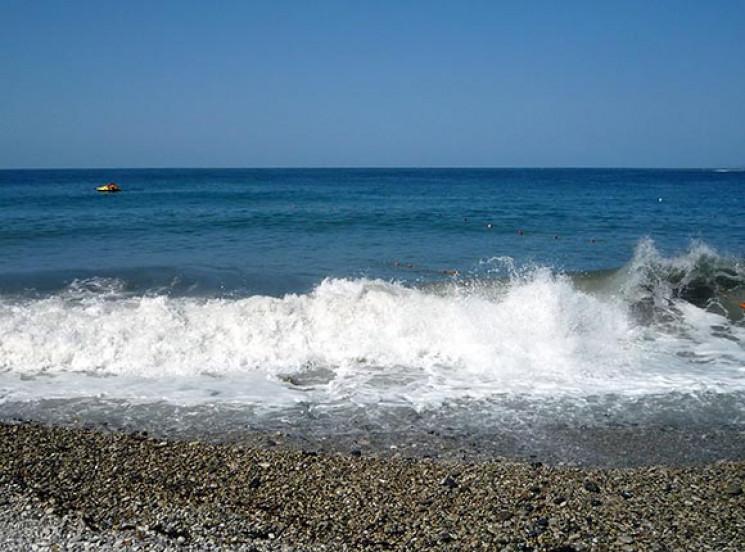 Анапчанам забороняють плавати в морі на…