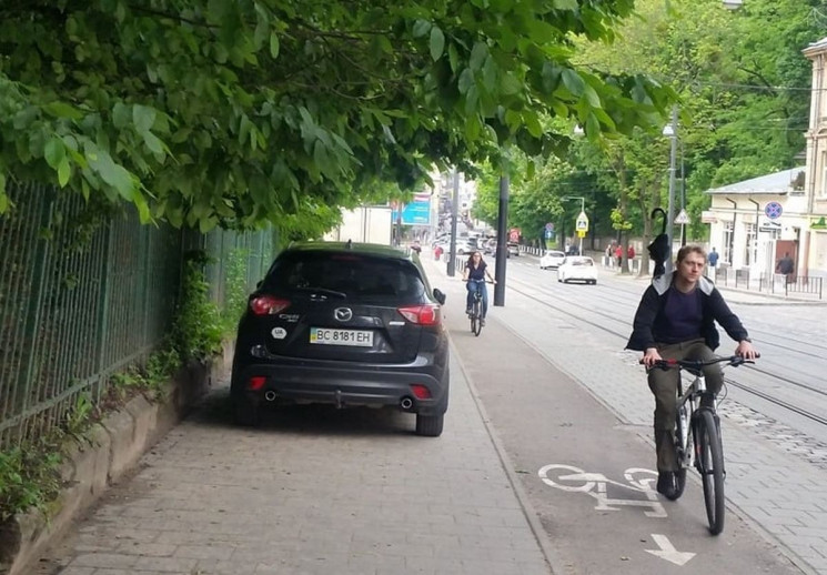 Як у Львові поліцейські наштрафували чол…