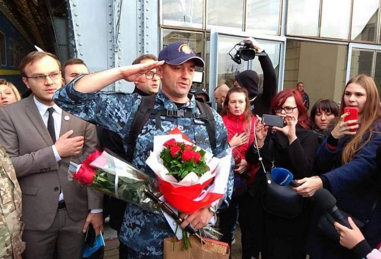 Во Львов прибыл освобожденный из российс…