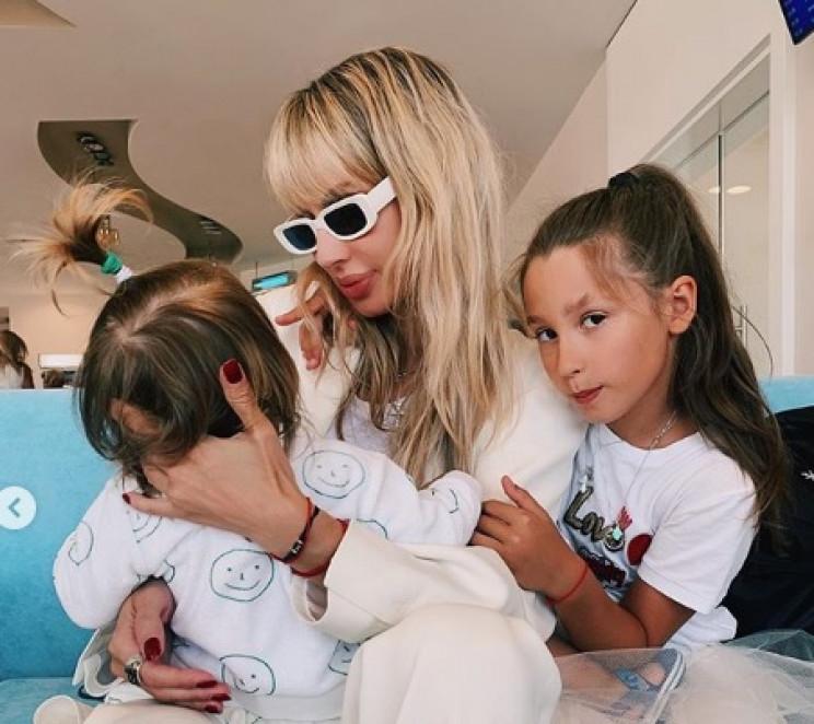 Лобода показала своїх дочок…