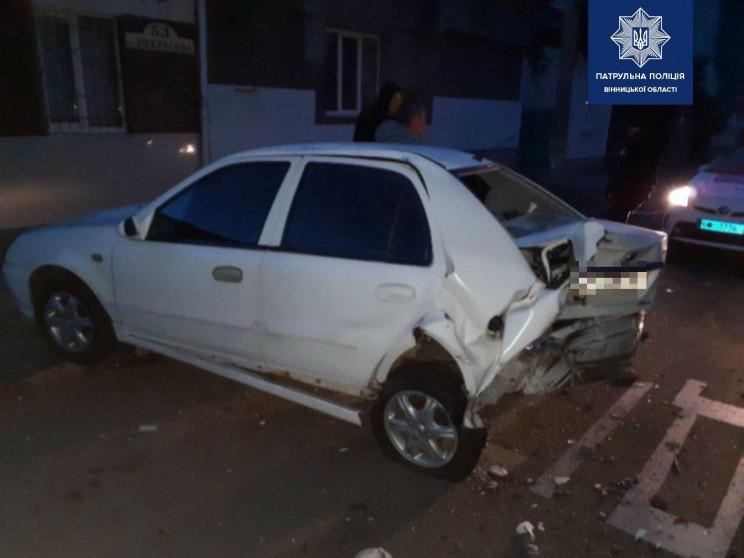 У Вінниці п'яний водій побив три машини…