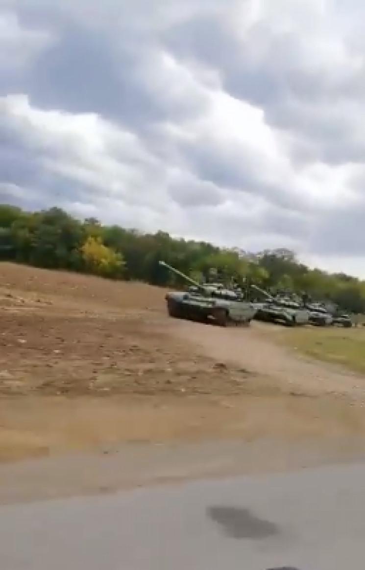 Маломуж про колони танків в Ростовській…