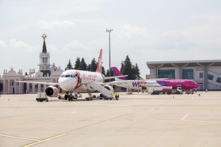 Рекорд у аеропорту Харкова: Пасажир отри…