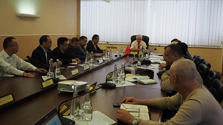 ХАЭС посетила иностранная делегация спец…
