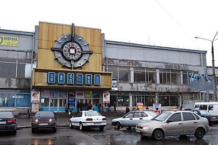 Миколаївський залізничний вокзал плануют…