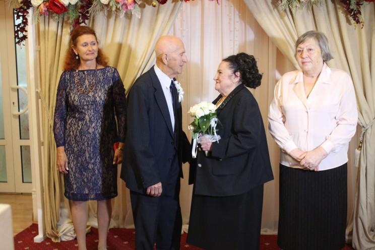 В Одессе супруги отпраздновали бриллиант…
