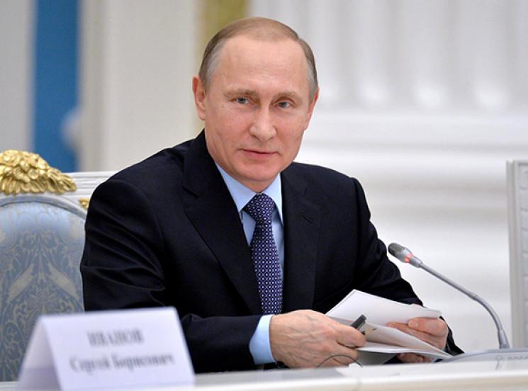 Путін підвищив зарплату собі з Медведєви…