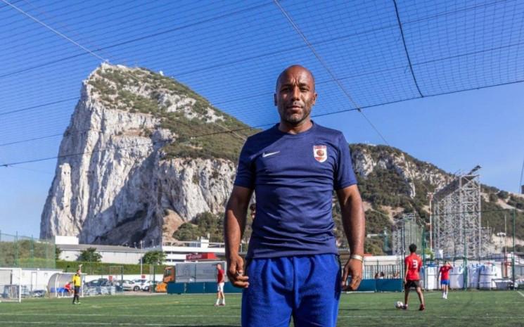 45-летний футболист в первом же матче за…