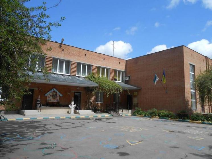 На утеплення фасаду Полтавського навчаль…