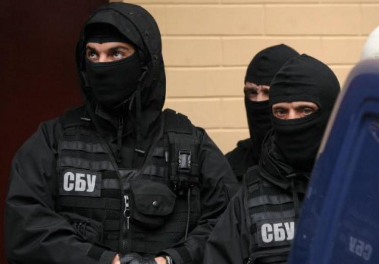 """СБУ вивезла важливого свідка з """"ЛНР""""…"""