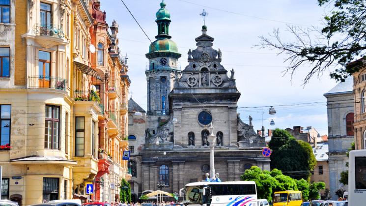 """У центрі Львова світлофор """"зійшов з розу…"""