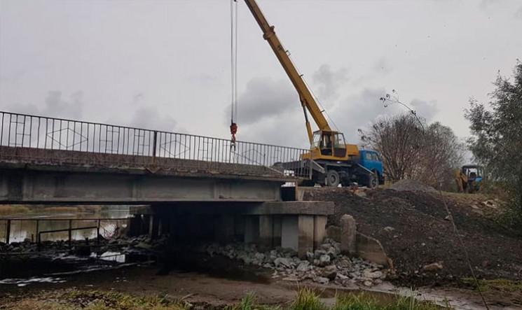 Через ремонт ще одного мосту на Хмельнич…