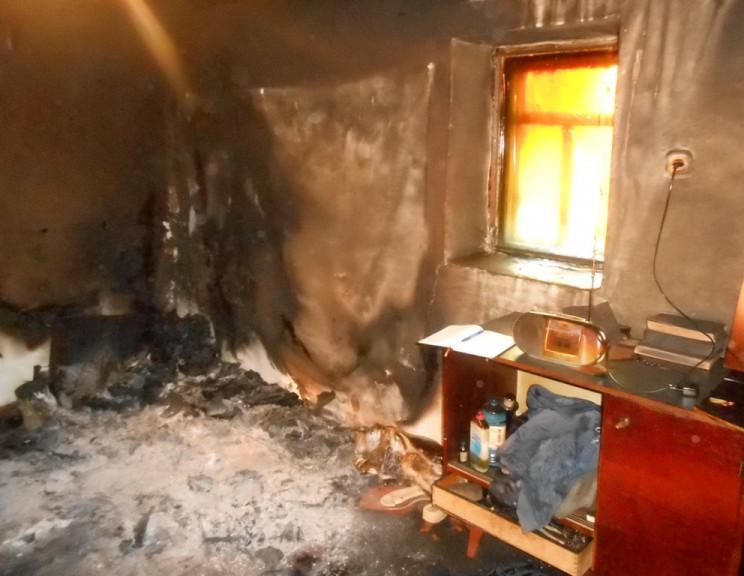 На Херсонищні вщент згорів будинок, на з…