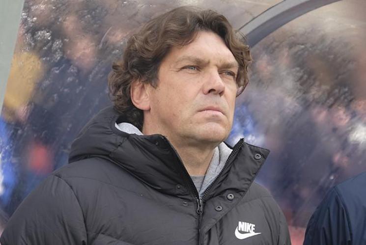 Украинский тренер не подписывал контракт…