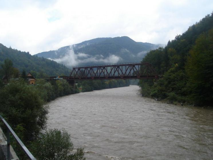 У річці Тиса на Рахівщині знайшли тіло ч…