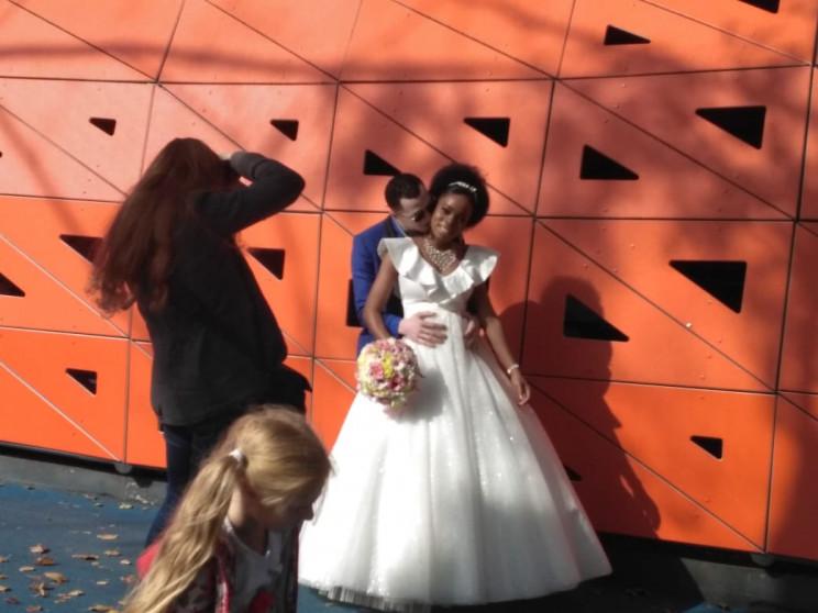 Как в центре Днепра поженилась пара из Н…