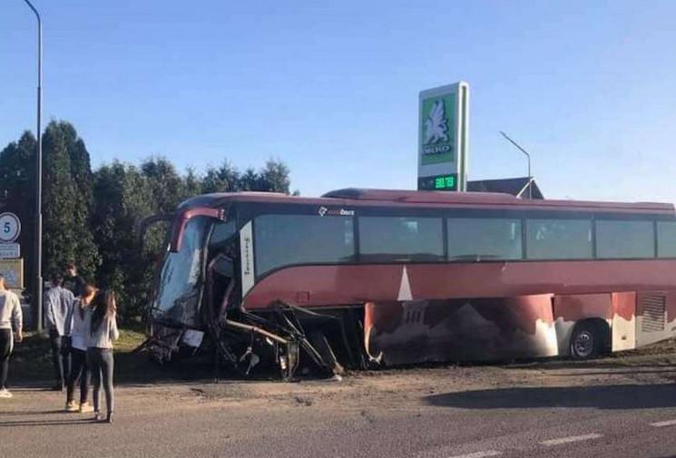 Білоруський туристичний автобус розчавив…
