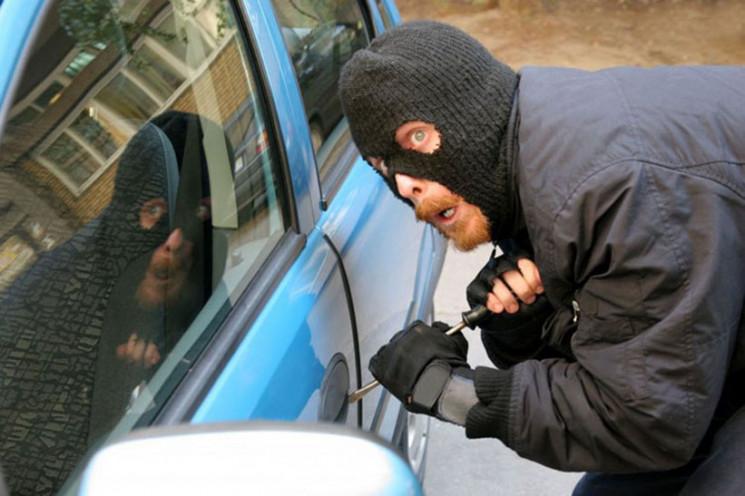 У Запоріжжі з-під носа поліцейських викр…