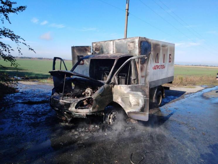 На запорізькій трасі спалахнула вантажів…