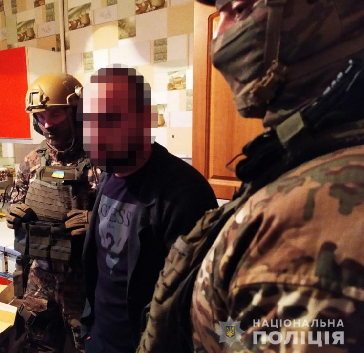 В Одесі затримали банду вимагачів, які т…