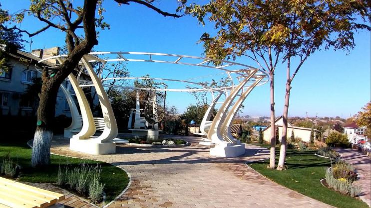 У райцентрі на Одещині створили сквер Ук…