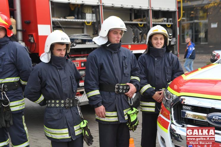 Прикарпатські ОТГ отримали нове пожежне…