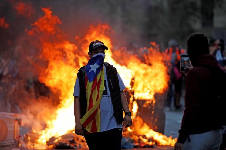 Видео дня: Столкновения в Барселоне и вы…