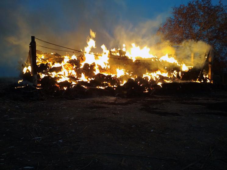 На Полтавщині пожежа знищила 70 т соломи…
