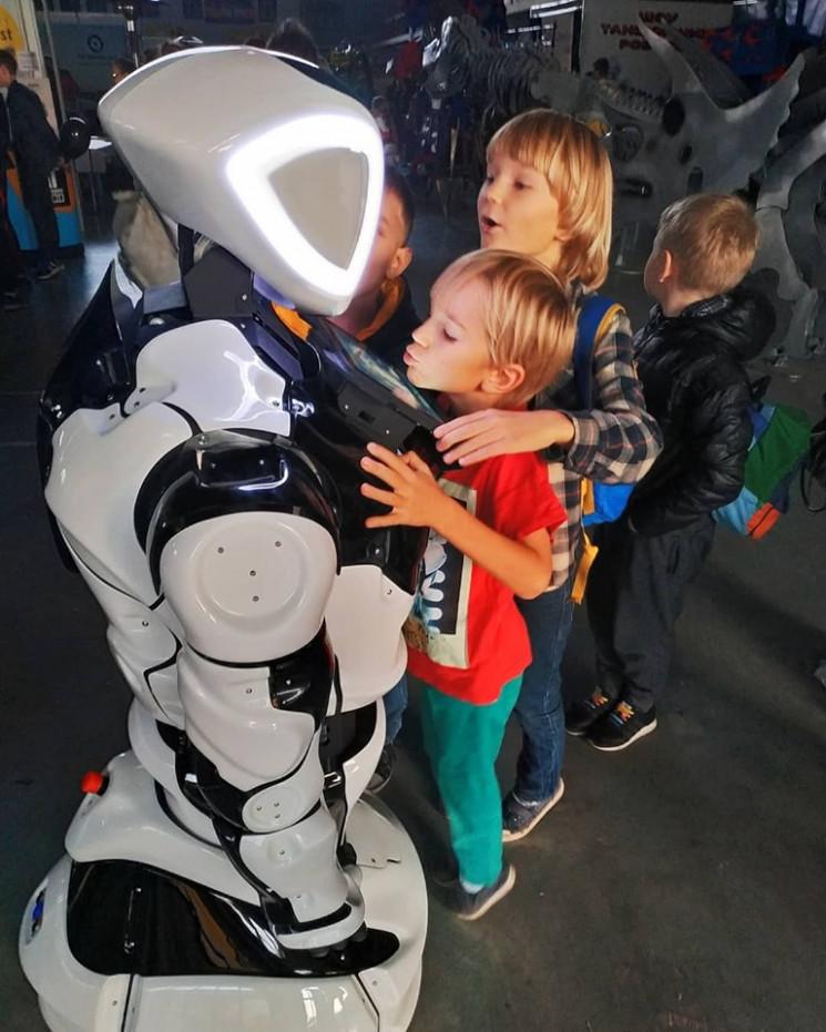 В Днепре состоялся TechFest: ТОП роботов…