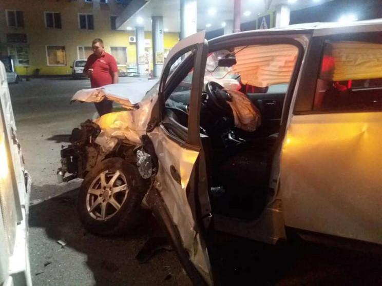 У Львові вантажівка пошматувала автомобі…