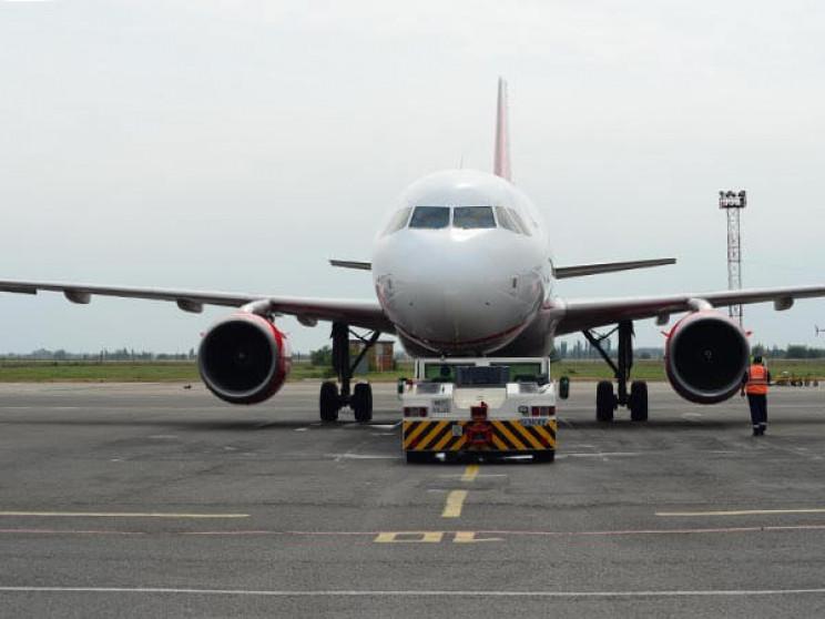 Літак з Краснодара був змушений сісти в…