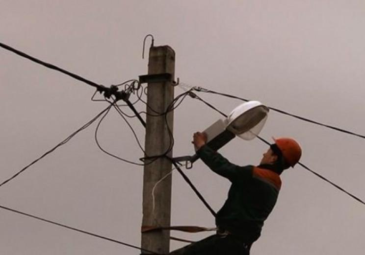В Ужгороді комунальники відновлюють ліні…