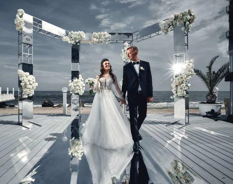 В Одесі оберуть найкращу пару молодят…