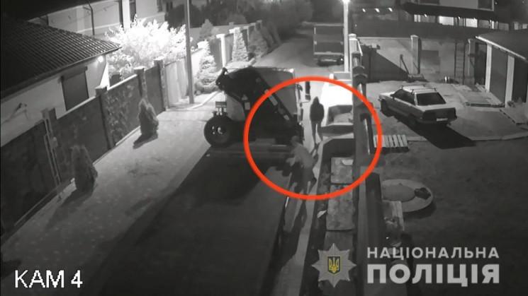 Двоє одеситів накрали з автівок акумулят…