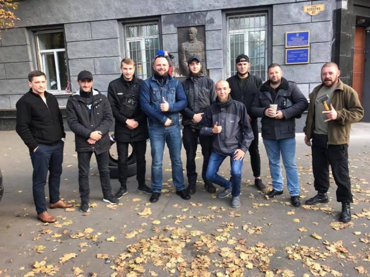 В Одесі націоналісти демонтували барельє…
