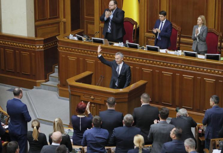 Відео дня: Генсек НАТО в Києві і скандал…