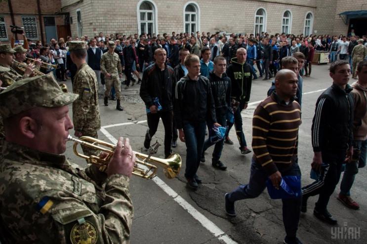 Призов в армію: Чому військкомати готові…