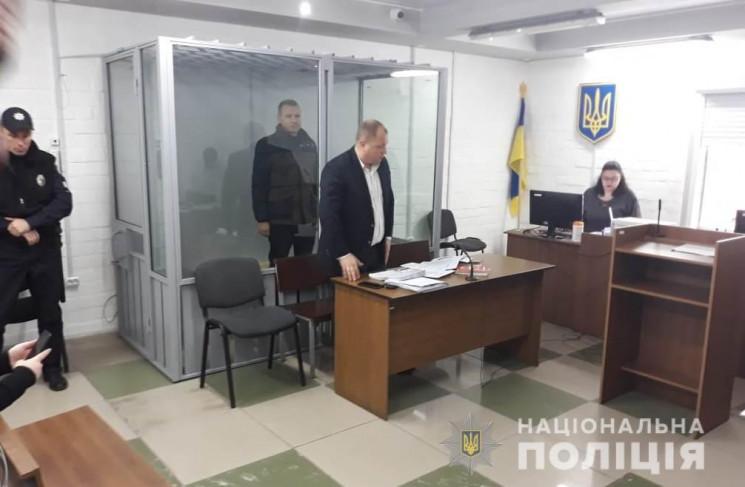 У Миколаєві взяли під варту членів банди…