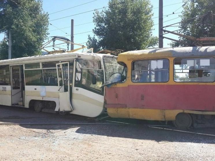 Трамвайный дрифт с пострадавшими: В Харь…