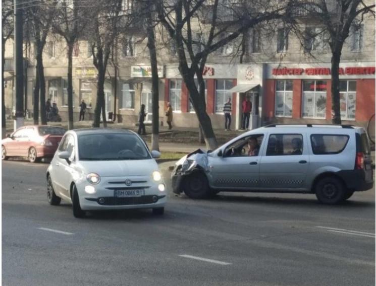 На проспекті Шевченка в Сумах зіштовхнул…