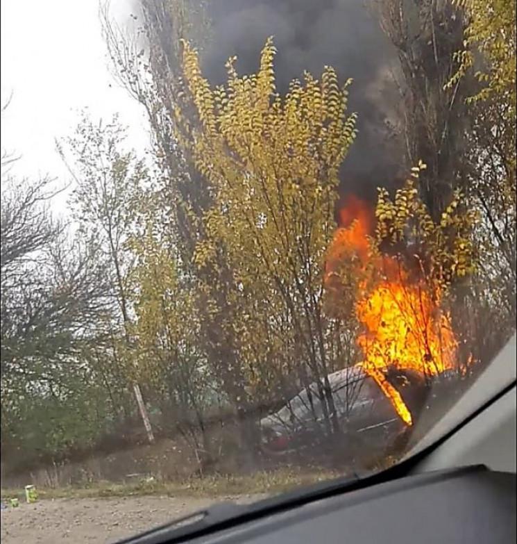 Під Миколаєвом автівка злетіла у кювет т…