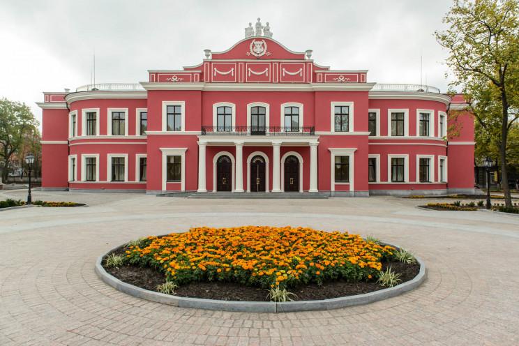 Закладам культури на Кропивниччині браку…
